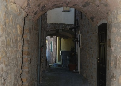 Tipico caruggio ligure a Tovo Faraldi